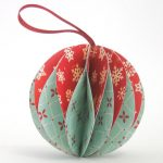 Red And Green Design Of Holiday Ornaments To Make For Christmast
