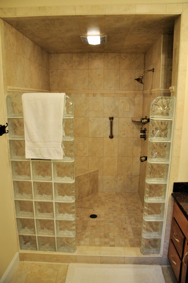Shower ideas for master bathroom homesfeed for Ideas for pictures