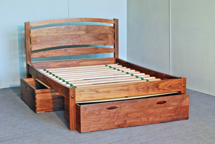 Solid Wood Platform Bed Frame Design Selections | HomesFeed