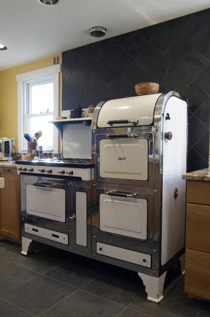 Small Stove Oven | HomesFeed
