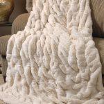 WHite Faux Fur Blanket Queen