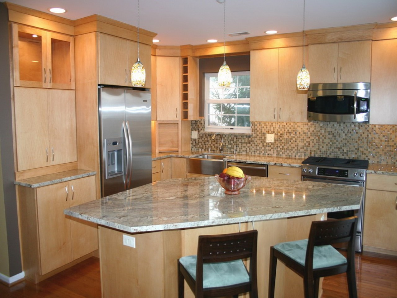 Best small kitchen design with island for perfect for Small kitchen layout with island