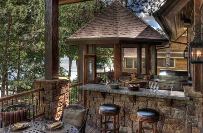 Luxurious country house with rustic awe homesfeed for Country outdoor kitchen