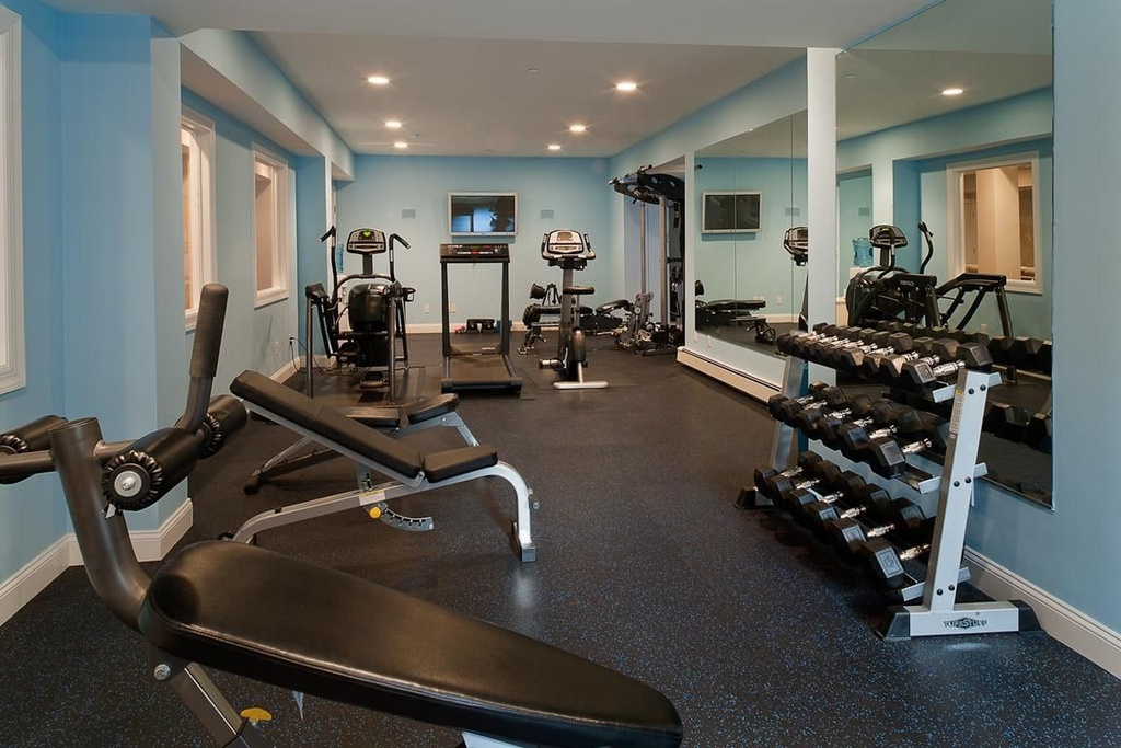Paint ideas for home gym painting