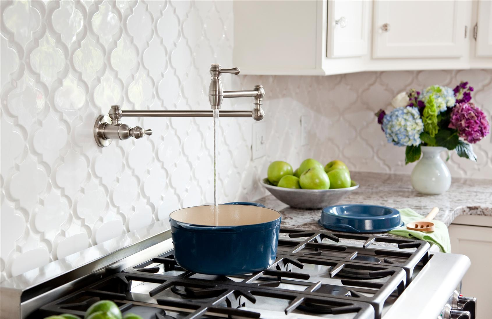 Create thrilling ambience in your kitchen with beveled for Arabesque tile backsplash