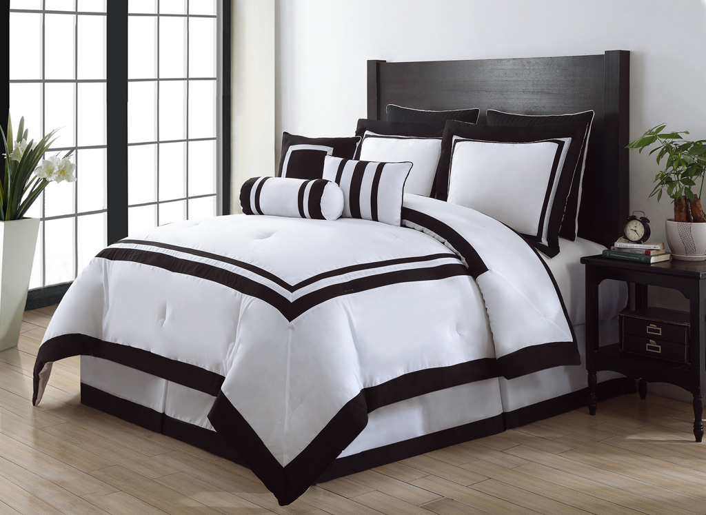 Get Alluring Visage By Displaying A White Comforter Sets King - White comforter bedroom design ideas