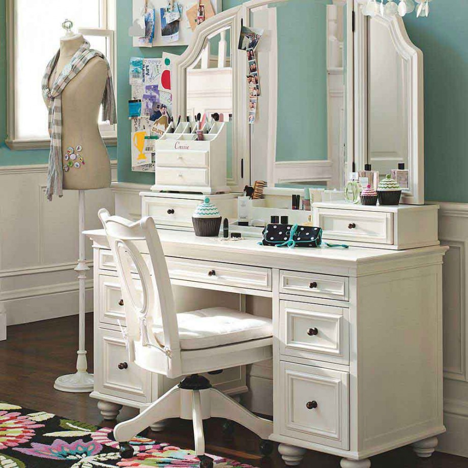 Superbe Classic White Vintage Dressing Table With Adorable Open Style Mirror And  Storage And White Swivel Chair
