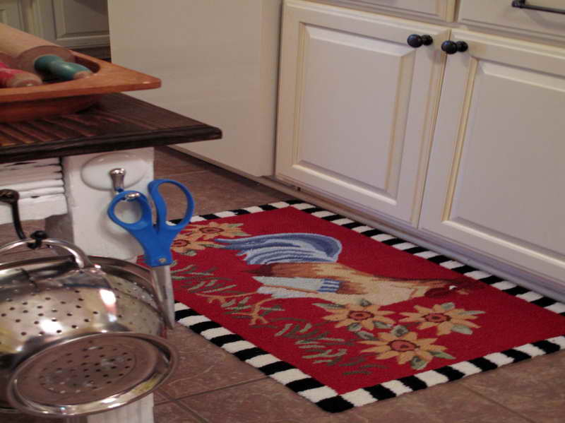 Great Cool Red Rooster Kitchen Rugs For Country Outlook On Kitchen Floor