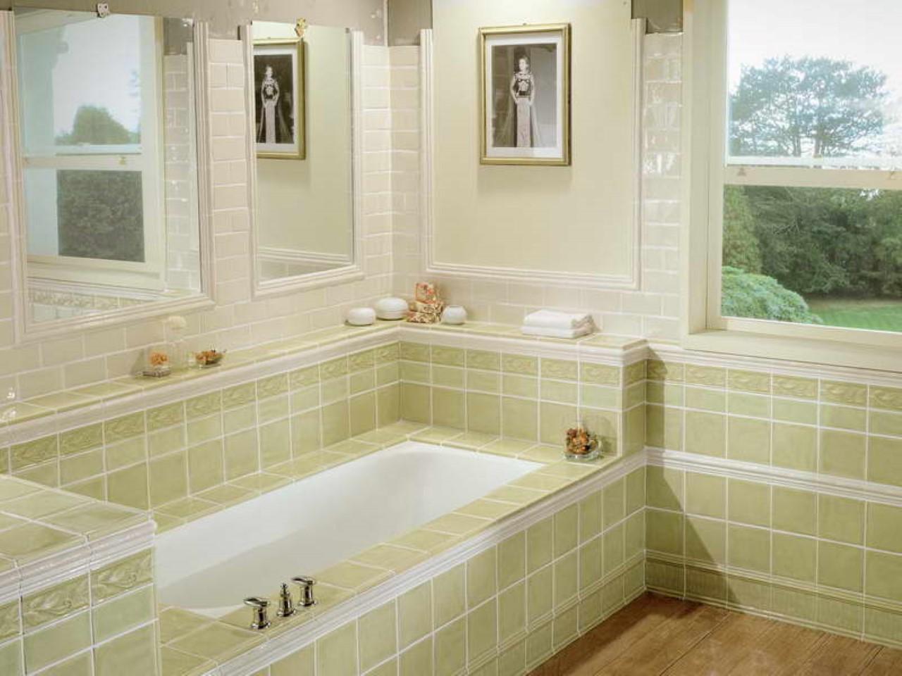 The Best Tub Ideas for Small Bathroom Design | HomesFeed