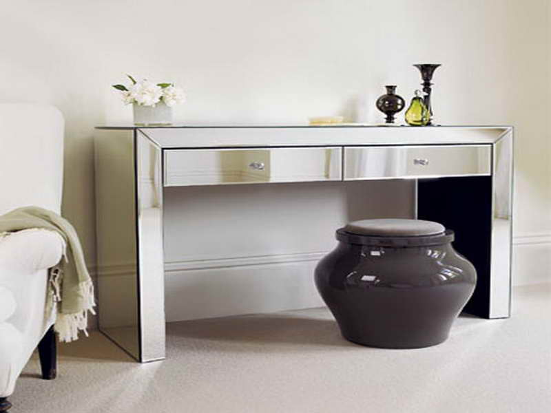decorating the hallway with perfect console tables design ikea homesfeed. Black Bedroom Furniture Sets. Home Design Ideas