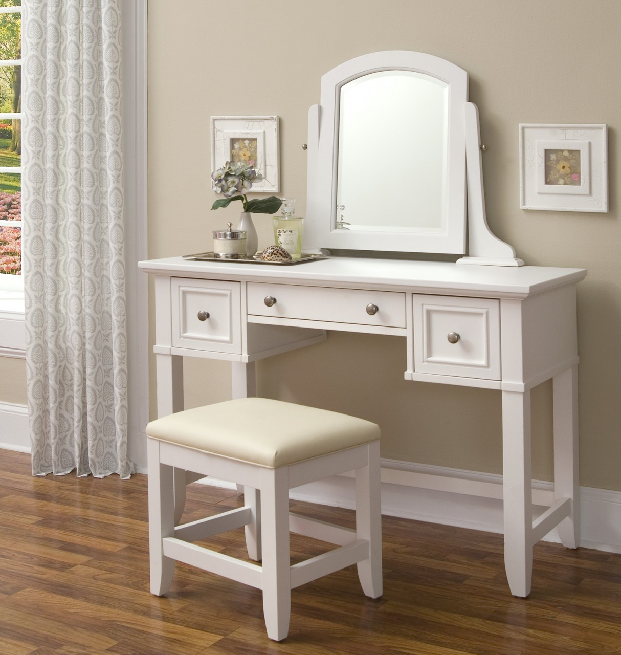 Lovable White Vanity Design With Storage And Mirror And White Stools Idea  On Wooden Floor