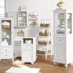 luxurious-ainsley-ladder-floor-storage-includes-seagrass-baskets-for-magazines-towels-and-sundries-also-crafted-of-pine-also-features-four-shelves(2)