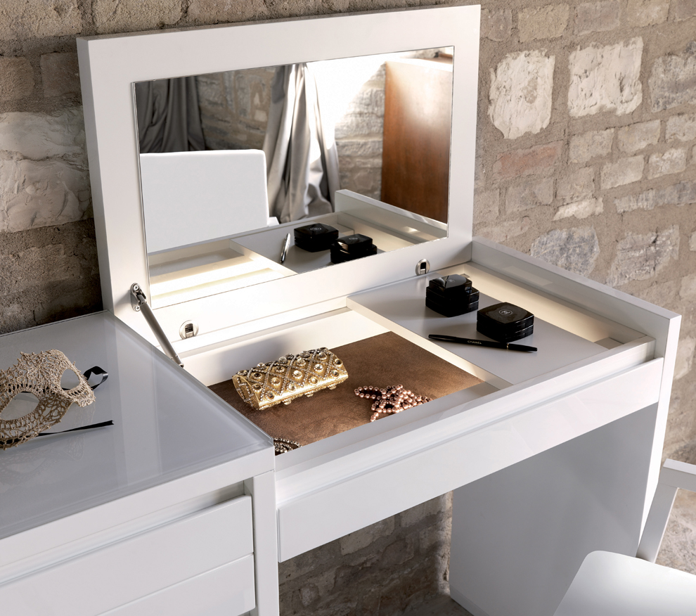 Awesome With Modern Dressing Table With Lights