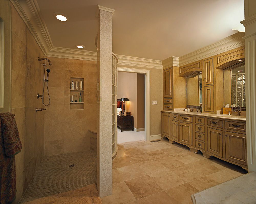 Elegant shower ideas for master bathroom homesfeed Master bathroom design photo gallery