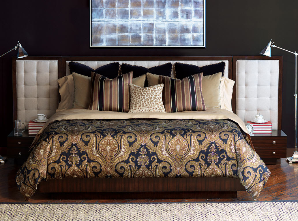 Black and gold bedding sets for adding luxurious bedroom for Designer inspired bedding