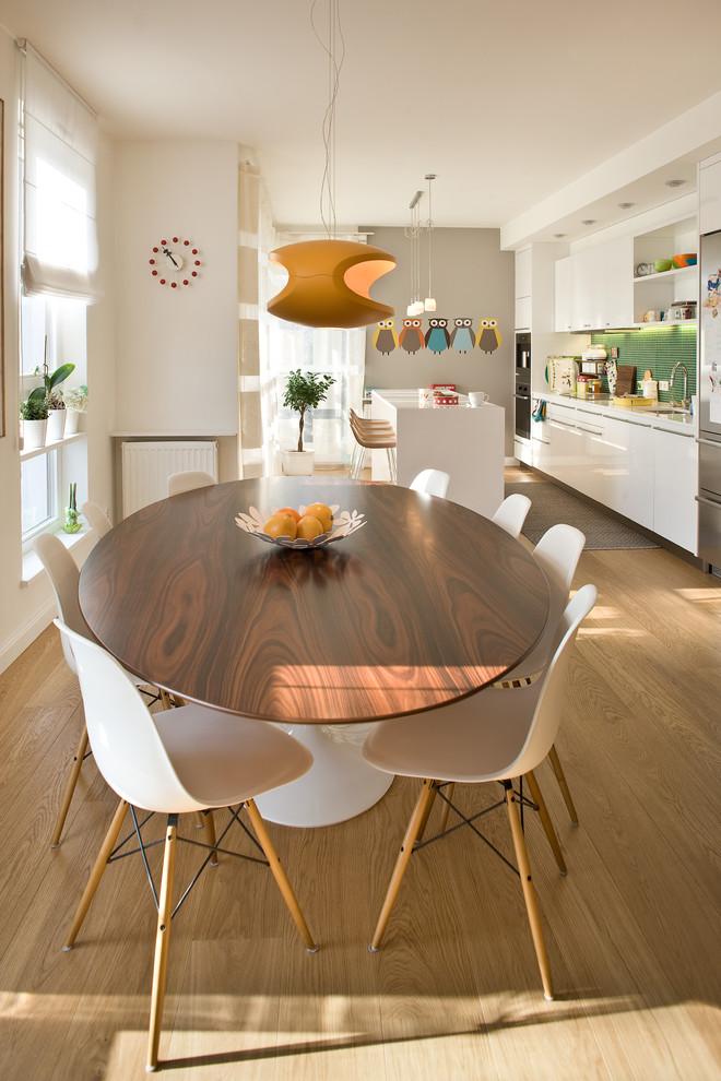 Modern Ikea Tulip Table HomesFeed - Tulip table wood top