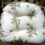 Country chair pad idea with floral motif