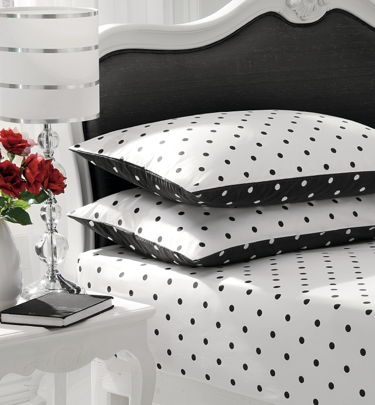 Unique black and white polka dot sheets homesfeed for Polka dot bedroom designs