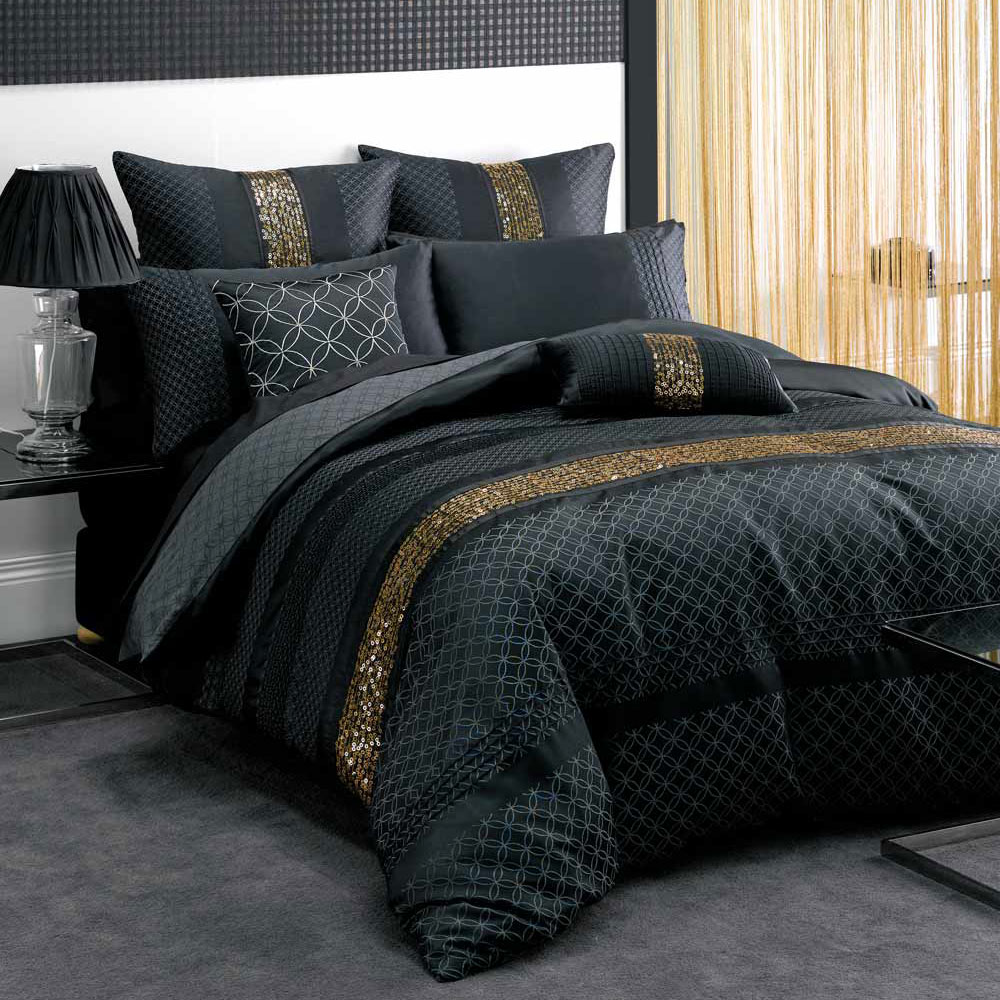 black and gold bedding sets for adding luxurious bedroom decors