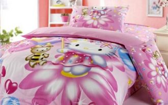 Full size toddler bed idea with Hello Kitty bed comforter set in pink