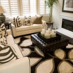 Full tufted leather Ottoman coffee table in black