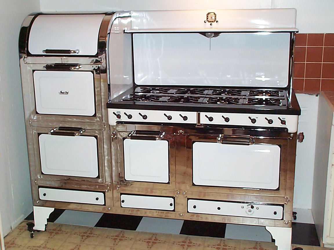 Awesome Antique Looking Stoves | HomesFeed