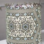 Lampshade with clips on both bottom and top