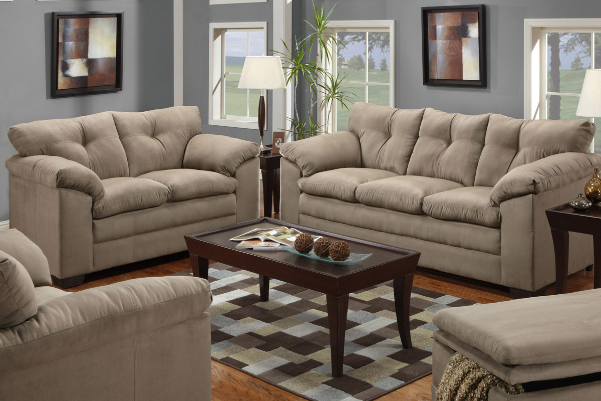High Quality Light Brown Couch And Loveseat Sets With Wooden Rectangular Table And  Square Pattern Rug