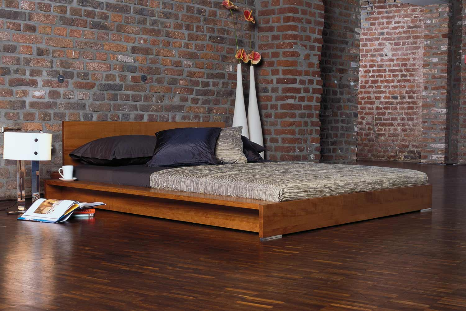 minimalist platform bed designs and pictures homesfeed. Black Bedroom Furniture Sets. Home Design Ideas