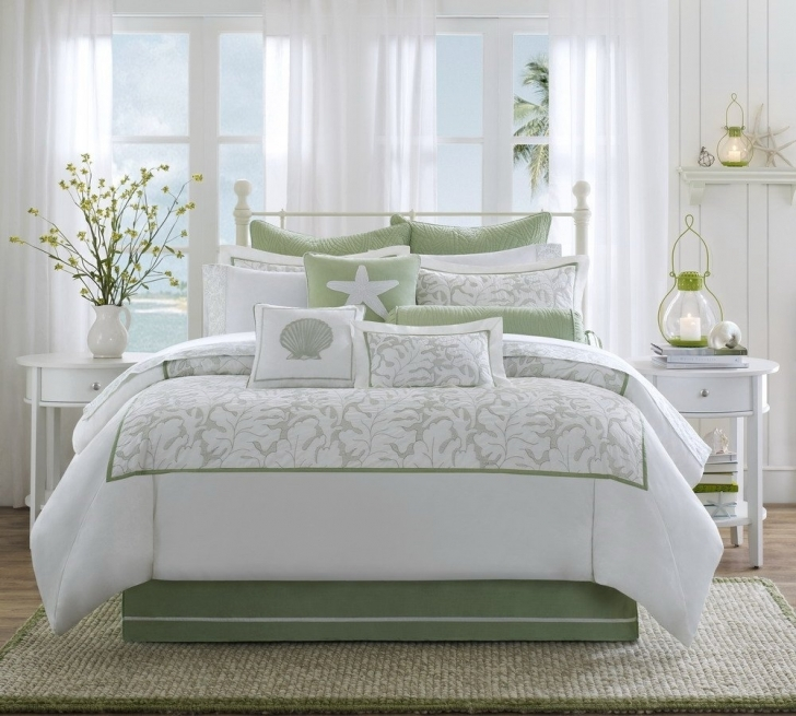 Beachy bedroom ideas homesfeed for Sea green bedroom designs