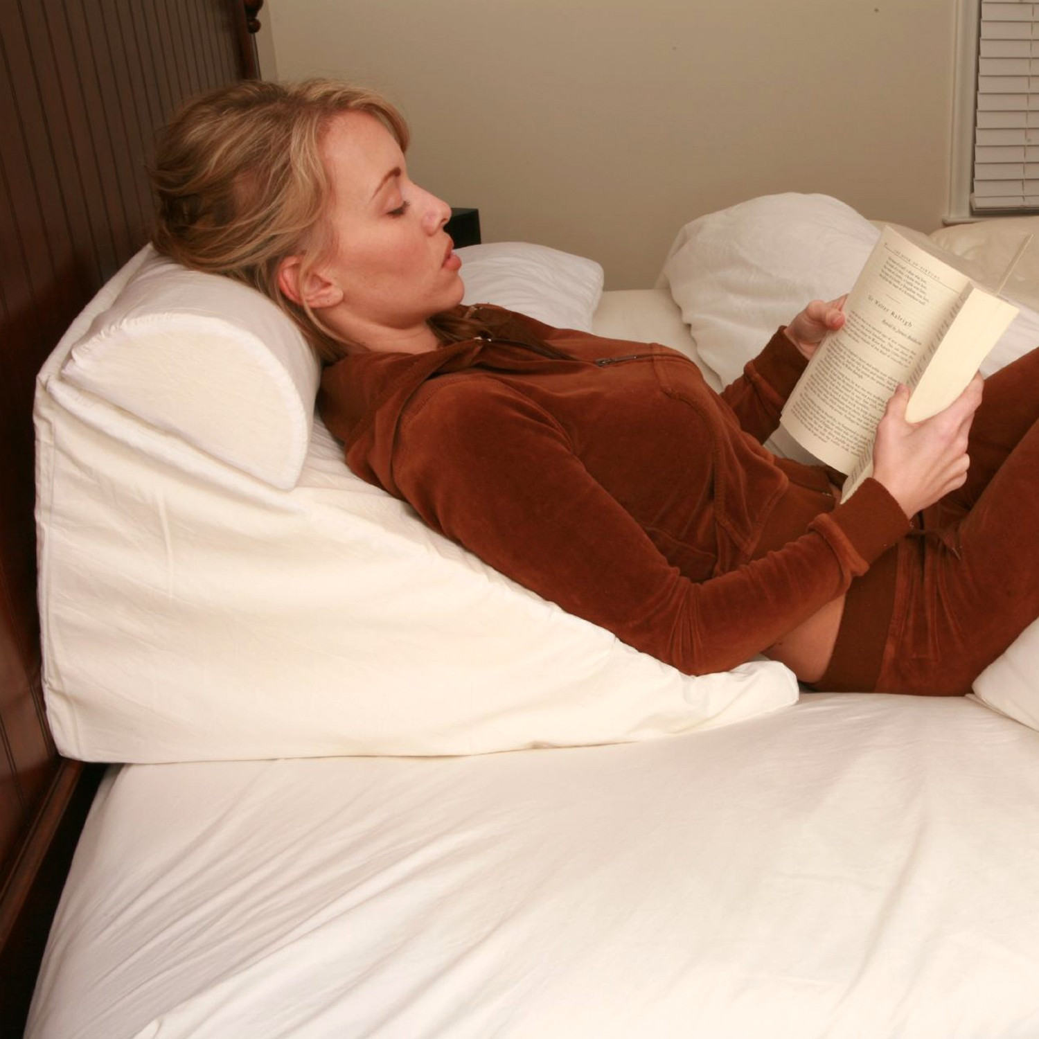 Amazing Pillows For Sitting Up In Bed Homesfeed
