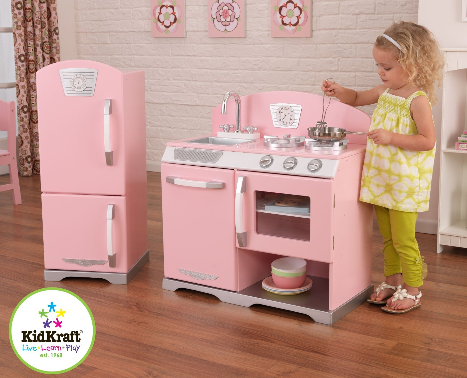 Good wood play kitchen sets homesfeed for Kitchen set pink