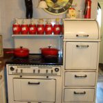 Pretty Antique Looking Stoves With Oven And Rooster Clock