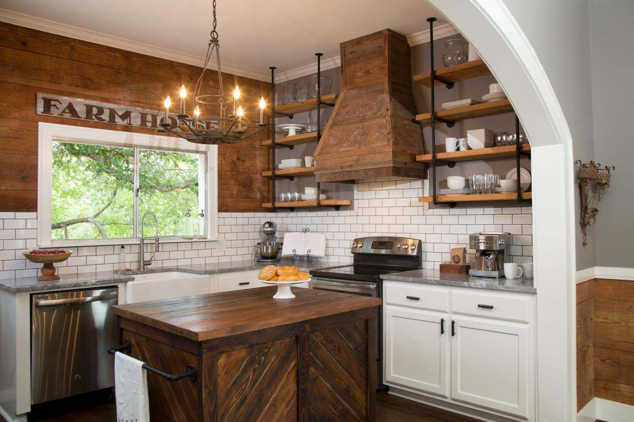 Perfect kitchen makeovers on a budget homesfeed for Country kitchen designs on a budget