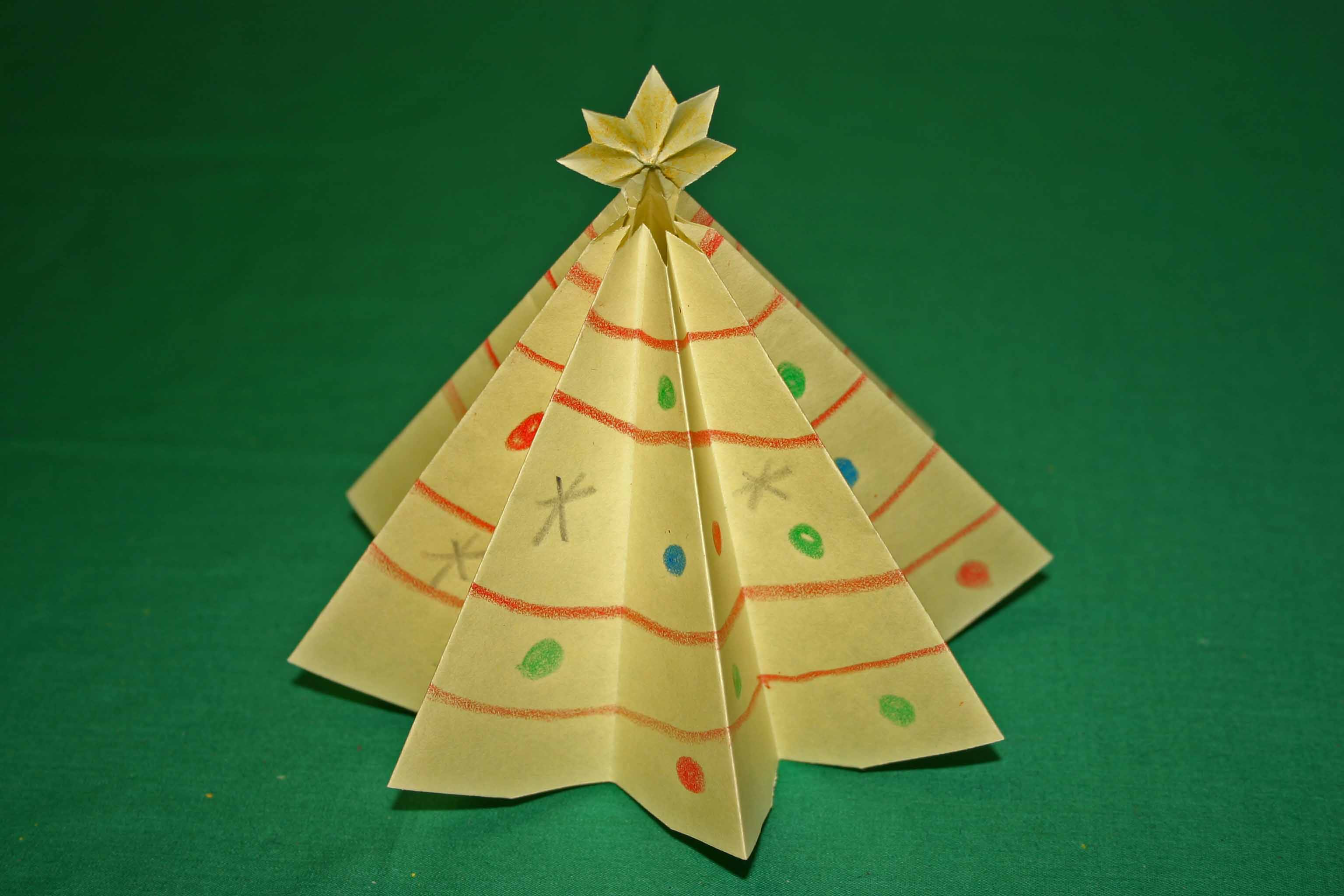 Creative christmas crafts to make at home homesfeed for How to make paper christmas decorations at home