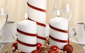 Simple Christmas centerpiece with decorative candles