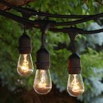 Vintage outdoor string lights idea