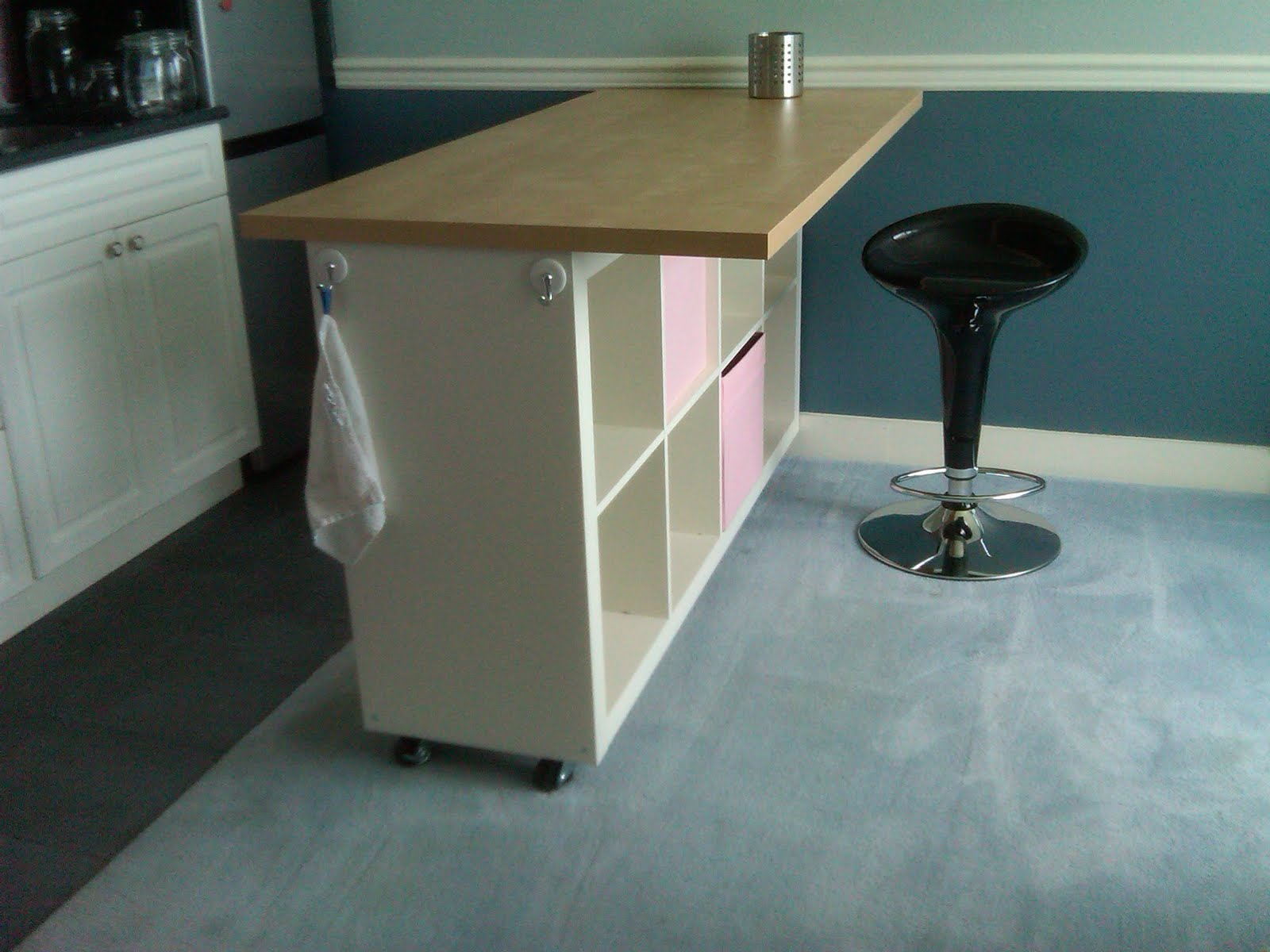 Ikea counter height table design ideas homesfeed for Counter height craft table with storage