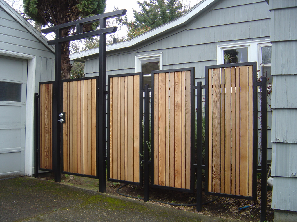 Wood Planks Rail System With Black Metal Frames As Decorative Home Fencing