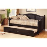 Wooden daybed in full size with trundle addition