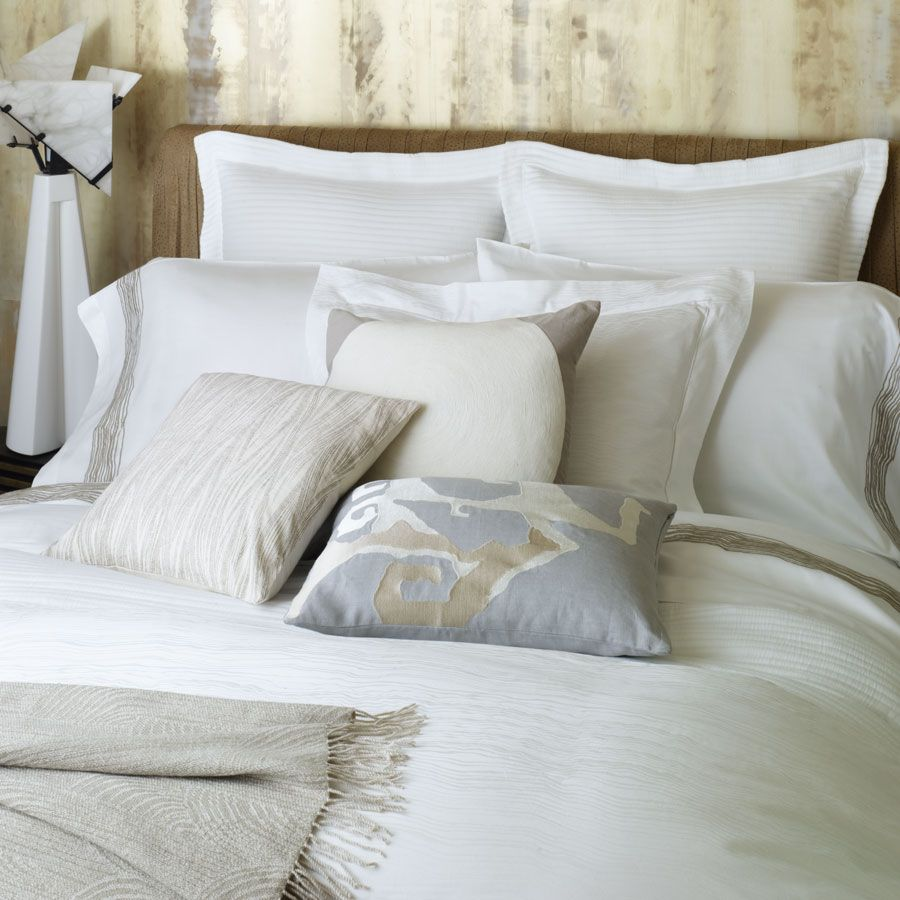 7 Benefits of Linen Bedding. Linen bedding can add visual appeal to any room, working to tie every element of your room design together. This spectacular type of bedding also has a variety of benefits when it comes to your sleep comfort.