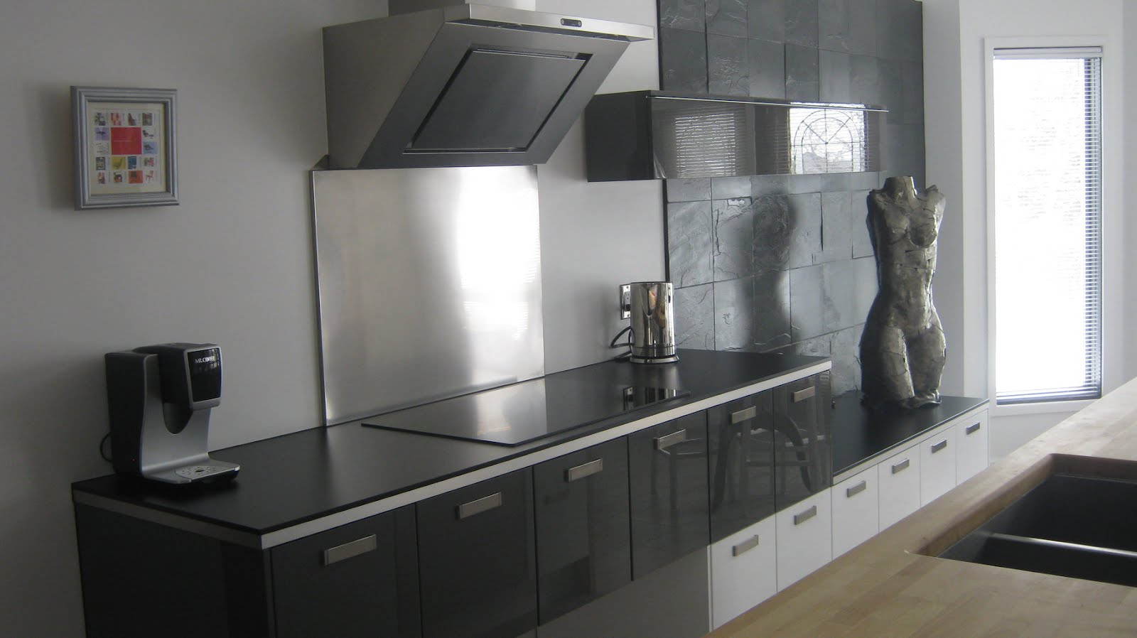 Modern ikea stainless steel backsplash homesfeed for Modern kitchen