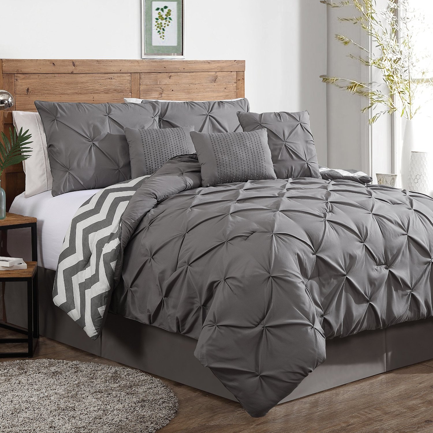 Bed sets for men - Grey White Comforter Sets For Men With Round Rug