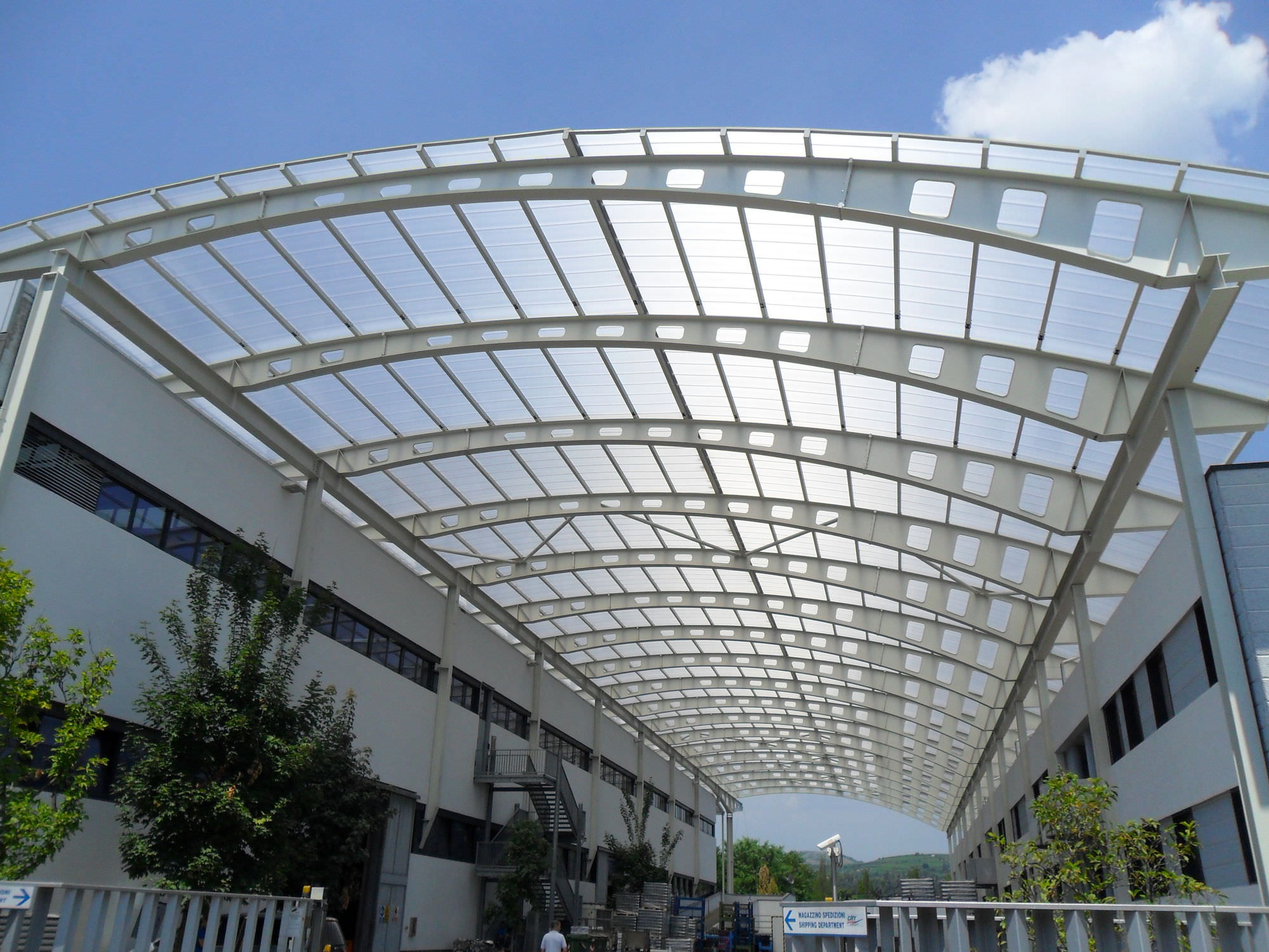 Polycarbonate roofing panels