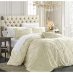 Luxury Duvet Cover With Winter Theme With Crystal Chandelier