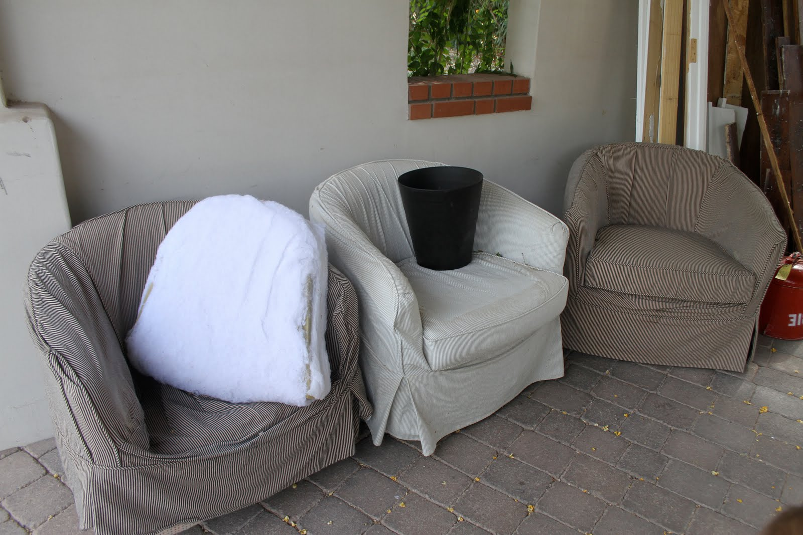 Simple Barrel Chair Slipcovers : HomesFeed