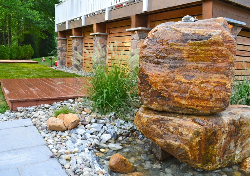 Natural large rocks for landscaping homesfeed for Large river stones for landscaping