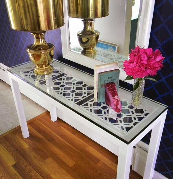 A Modern Console Table Ikea With Gl Tabletop Large Gold Schemed Lamp