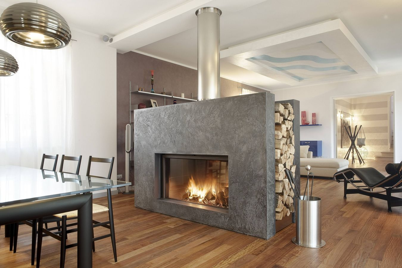 Double Sided Gas Fireplace Design
