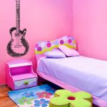Kid's bedroom design idea with guitar pic wall art